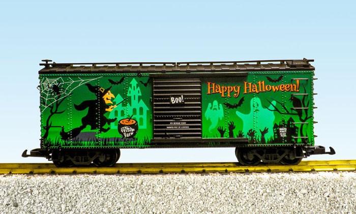 USA Trains Glow in the Dark Halloween Box Car